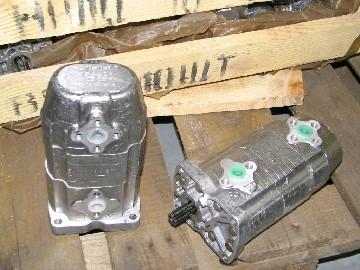 Насос шестеренный масляный 2-х секц. левого вращения