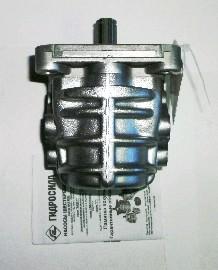 Насос шестеренный масляный левого вращения (4-х шлиц)